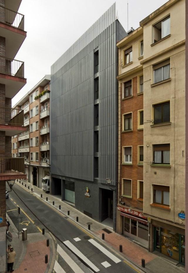 Auzo Factory Irazábal-Matiko. Suarez & Santas Arquitectos